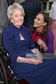 Lorraine Warren, que originou Invocação do Mal, morre aos 92 anos